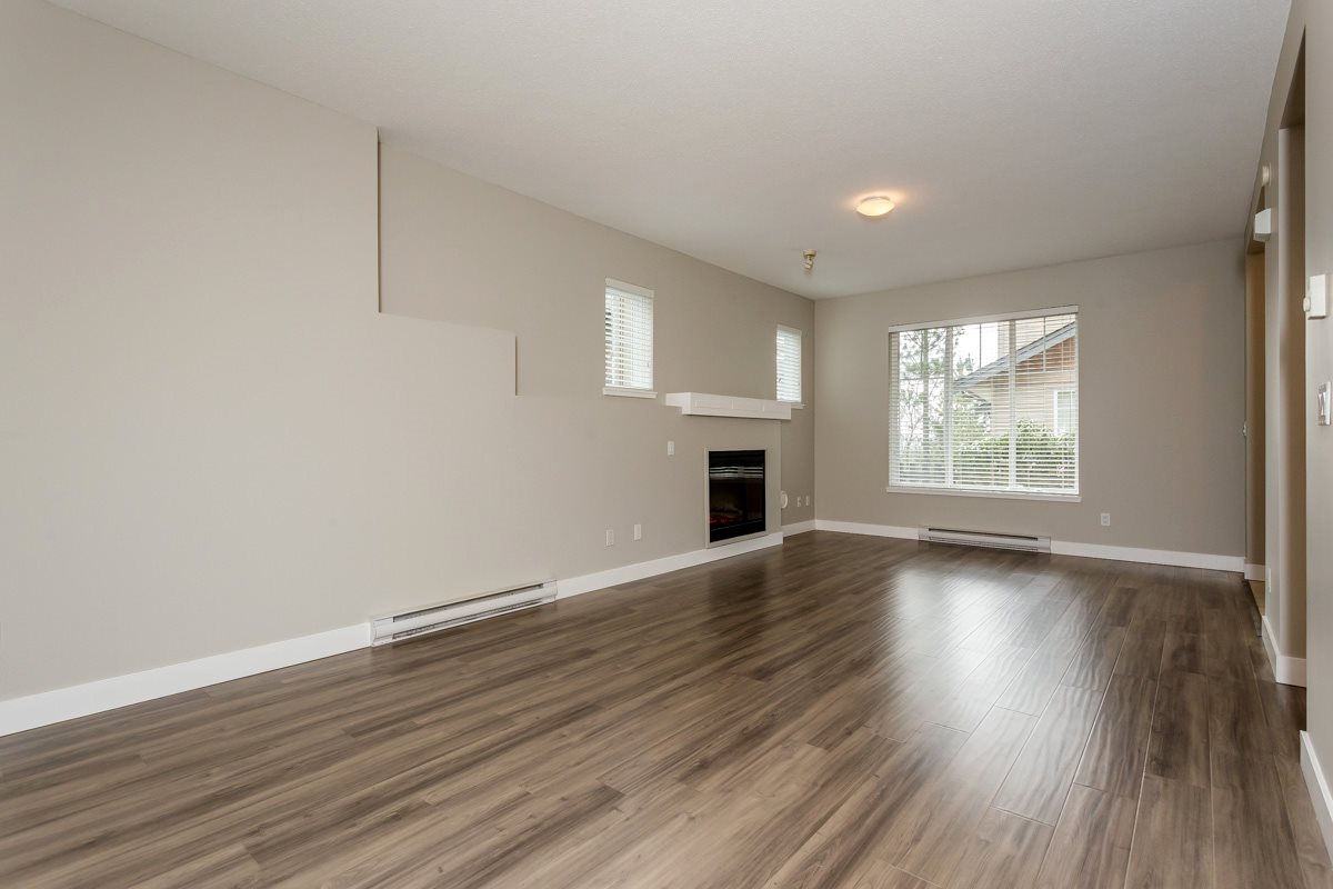 "Photo 11: 17 5839 PANORAMA Drive in Surrey: Sullivan Station Townhouse for sale in ""Forest Gate"" : MLS(r) # R2046887"