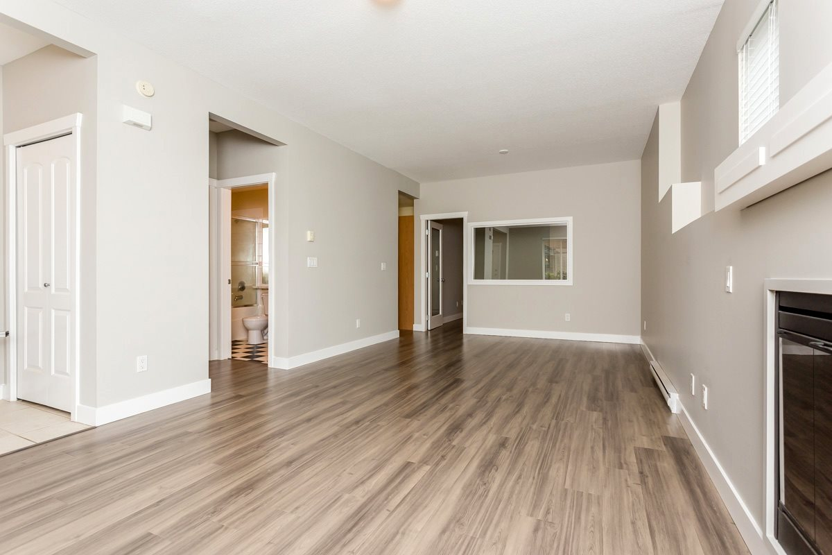 "Photo 9: 17 5839 PANORAMA Drive in Surrey: Sullivan Station Townhouse for sale in ""Forest Gate"" : MLS(r) # R2046887"