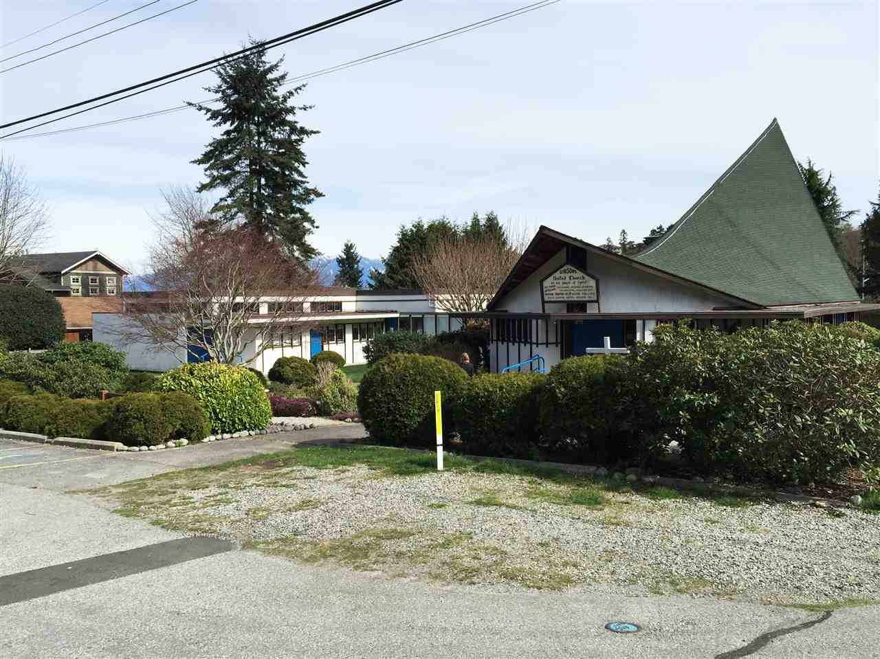 Main Photo: 724 TRUEMAN Road in Gibsons: Gibsons & Area House for sale (Sunshine Coast)  : MLS®# R2049627