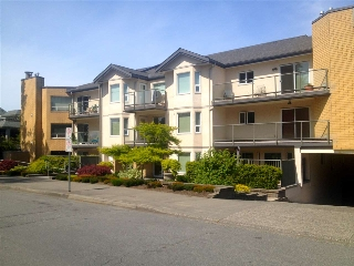 "Main Photo: 205 15255 18 Avenue in Surrey: King George Corridor Condo for sale in ""The Courtyards"" (South Surrey White Rock)  : MLS® # R2061978"