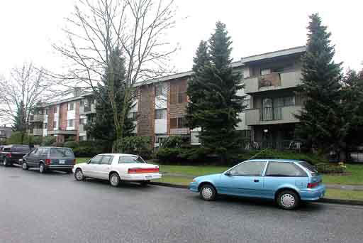 Main Photo: 202 6715 BURLINGTON AVENUE in : Metrotown Condo for sale : MLS(r) # V296066