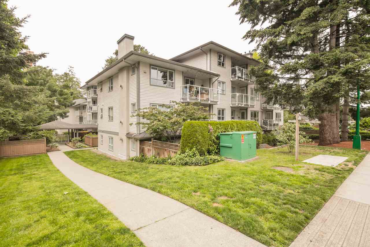 "Main Photo: 301 5577 SMITH Avenue in Burnaby: Central Park BS Condo for sale in ""Cottonwood Grove"" (Burnaby South)  : MLS® # R2086101"