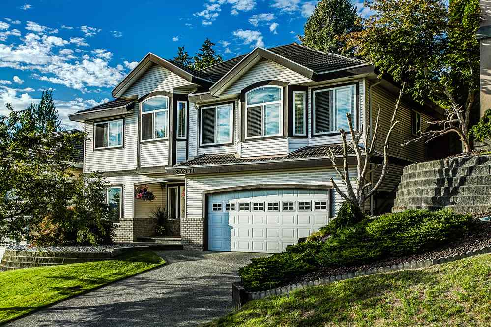 Main Photo: 23831 ZERON Avenue in Maple Ridge: Albion House for sale : MLS(r) # R2095484