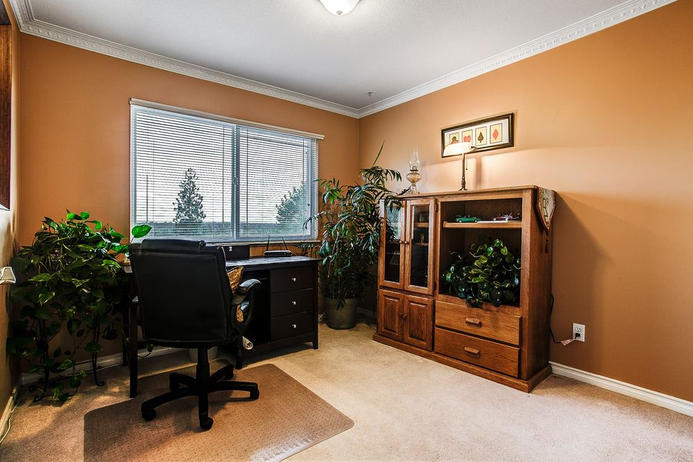 Photo 10: 23831 ZERON Avenue in Maple Ridge: Albion House for sale : MLS(r) # R2095484
