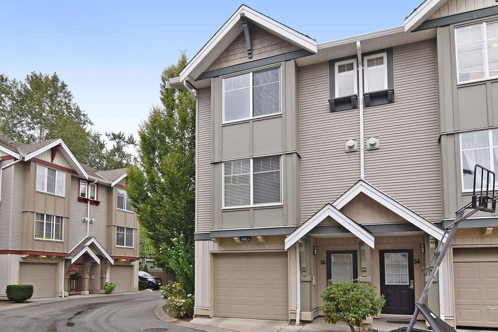 "Main Photo: 53 6651 203 Street in Langley: Willoughby Heights Townhouse for sale in ""SUNSCAPE"" : MLS® # R2096762"