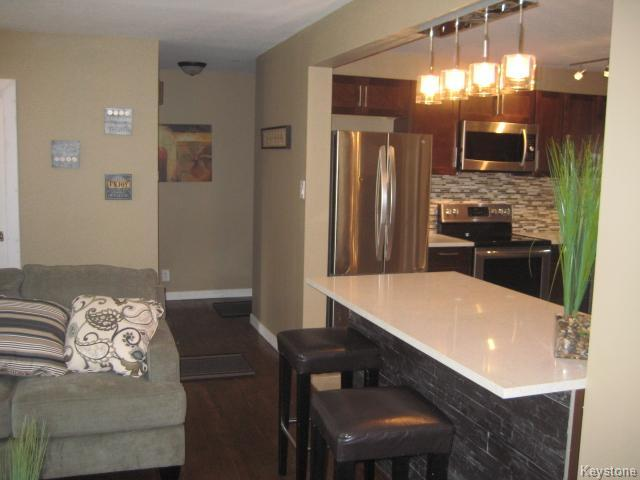 Photo 5: 43 Lincrest Road in Winnipeg: Garden City Residential for sale (4G)  : MLS(r) # 1622696