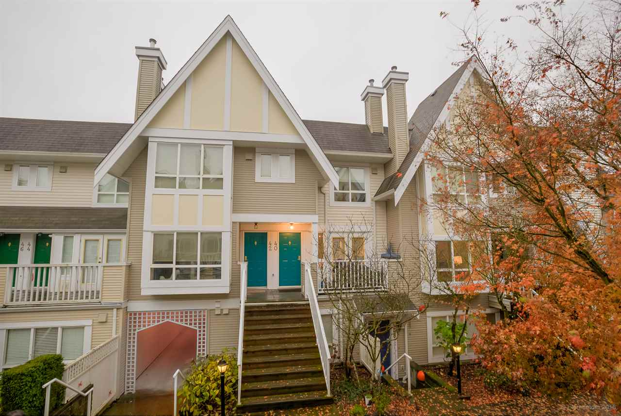 "Main Photo: 40 6577 SOUTHOAKS Crescent in Burnaby: Highgate Townhouse for sale in ""TUDOR GROVE"" (Burnaby South)  : MLS(r) # R2136699"