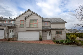 "Main Photo: 74 323 GOVERNORS Court in New Westminster: Fraserview NW Townhouse for sale in ""GOVERNORS COURT"" : MLS® # R2154873"