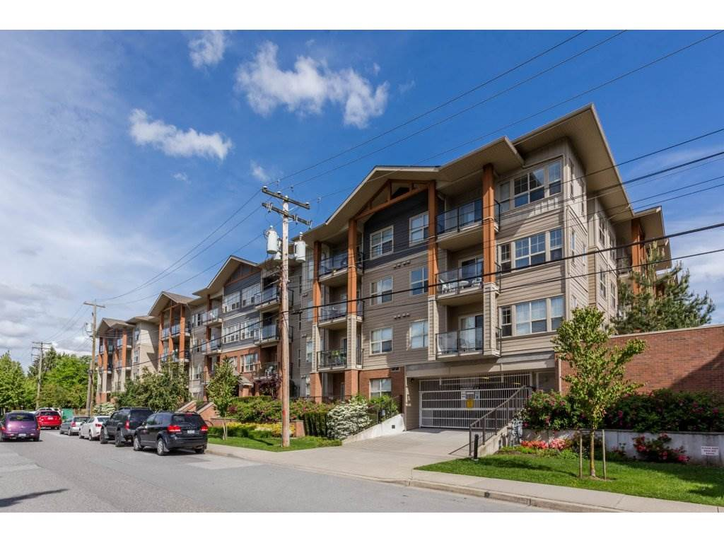 "Main Photo: 104 20219 54A Avenue in Langley: Langley City Condo for sale in ""SUEDE"" : MLS®# R2172734"
