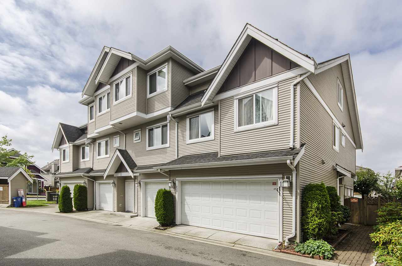 "Main Photo: 11 10651 ODLIN Road in Richmond: West Cambie Townhouse for sale in ""Willow Green Mews"" : MLS®# R2176493"