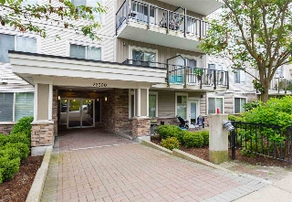 "Main Photo: 409 22290 NORTH Avenue in Maple Ridge: West Central Condo for sale in ""SOLO"" : MLS(r) # R2176836"