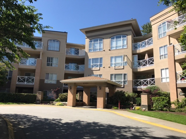 "Main Photo: 122 2551 PARKVIEW Lane in Port Coquitlam: Central Pt Coquitlam Condo for sale in ""THE CRESCENT"" : MLS® # R2188352"