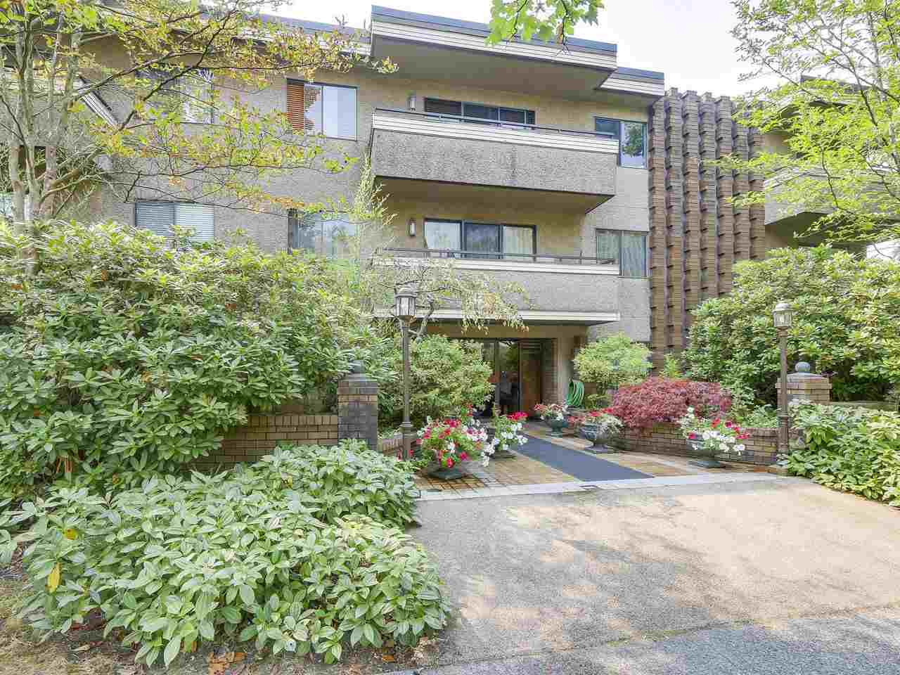 "Photo 15: 104 2935 SPRUCE Street in Vancouver: Fairview VW Condo for sale in ""LANDMARK CAESAR"" (Vancouver West)  : MLS® # R2196677"