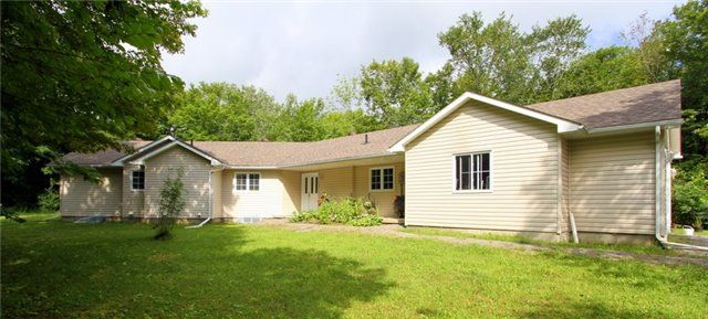 Main Photo: 523 North Mountain Road in Kawartha Lakes: Rural Bexley House (Bungalow) for sale : MLS® # X3898409