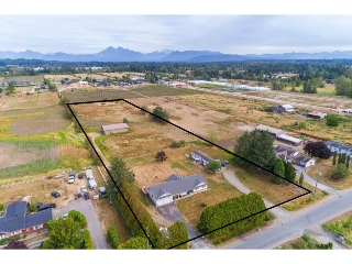 Main Photo: 22165 61 Avenue in Langley: Salmon River House for sale : MLS® # R2207757