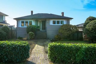 Main Photo: 1176 GORDON Avenue in West Vancouver: Ambleside House for sale : MLS® # R2218986