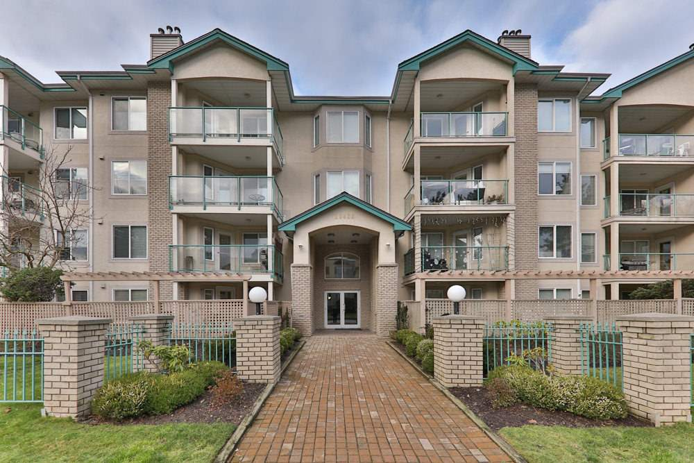 "Main Photo: 308 20433 53 Avenue in Langley: Langley City Condo for sale in ""Countryside Estates"" : MLS® # R2231376"