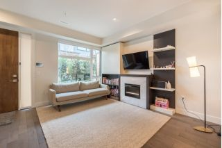 Main Photo: 6098 OAK Street in Vancouver: Oakridge VW Townhouse for sale (Vancouver West)  : MLS® # R2240843