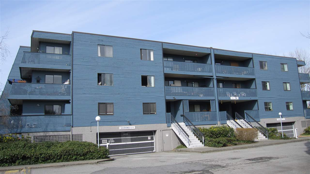 "Main Photo: 311 5906 176A Street in Surrey: Cloverdale BC Condo for sale in ""Wyndham Estate"" (Cloverdale)  : MLS®# R2253250"