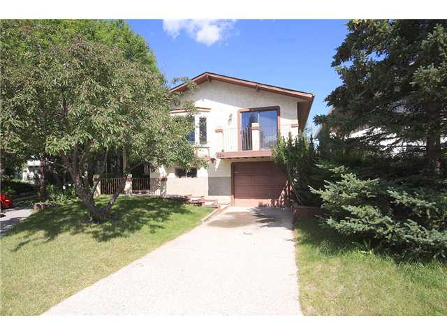 Main Photo: 224 SANDSTONE Place NW in CALGARY: Sandstone Residential Detached Single Family for sale (Calgary)  : MLS® # C3486520