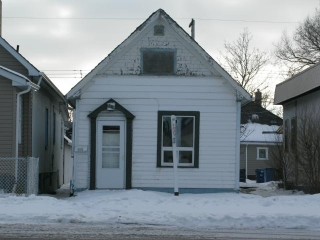 Main Photo: 1018 Burrows Avenue in WINNIPEG: North End Residential for sale (North West Winnipeg)  : MLS® # 1206815
