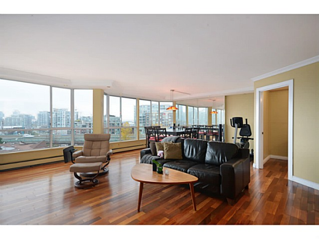 "Photo 2: 814 518 MOBERLY Road in Vancouver: False Creek Condo for sale in ""NEWPORT QUAY"" (Vancouver West)  : MLS(r) # V1040234"
