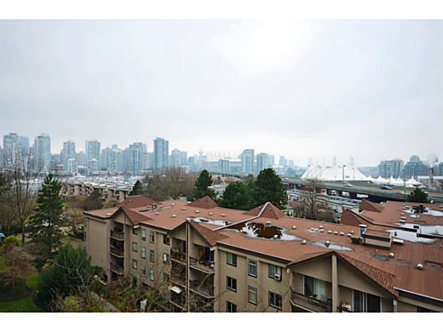"Photo 12: 814 518 MOBERLY Road in Vancouver: False Creek Condo for sale in ""NEWPORT QUAY"" (Vancouver West)  : MLS(r) # V1040234"