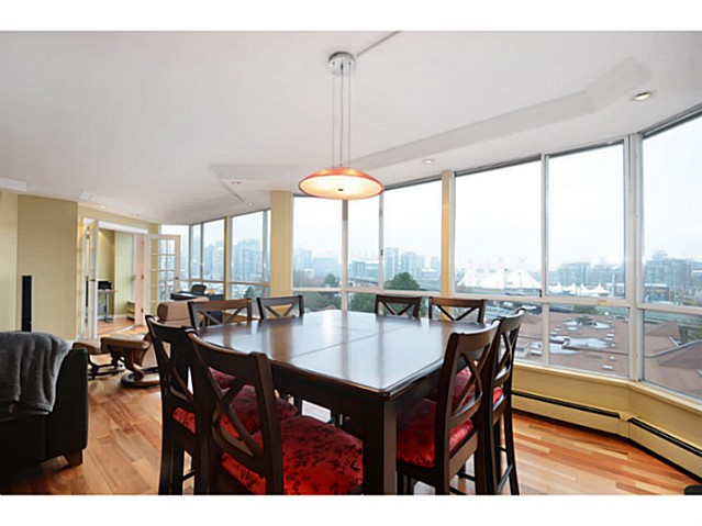 "Photo 8: 814 518 MOBERLY Road in Vancouver: False Creek Condo for sale in ""NEWPORT QUAY"" (Vancouver West)  : MLS(r) # V1040234"