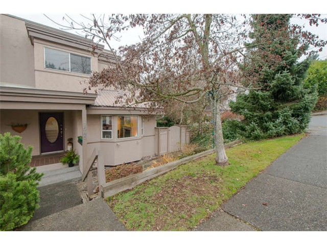 "Main Photo: 1545 BEWICKE AV in North Vancouver: Hamilton House 1/2 Duplex for sale in ""Hamilton"" : MLS® # V1041444"