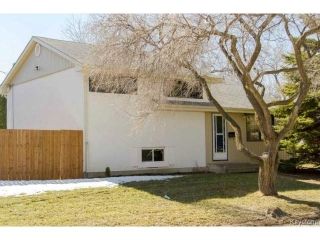 Main Photo: 177 DANBURY Bay in WINNIPEG: Westwood / Crestview Residential for sale (West Winnipeg)  : MLS(r) # 1505924