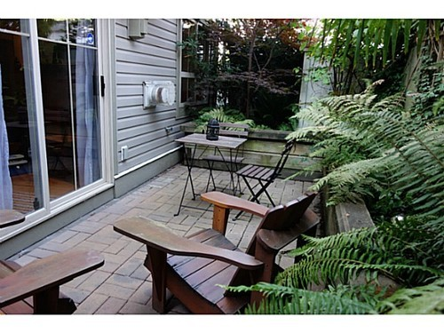 Photo 2: 6 2375 BROADWAY Other W in Vancouver West: Kitsilano Home for sale ()  : MLS(r) # V1081687