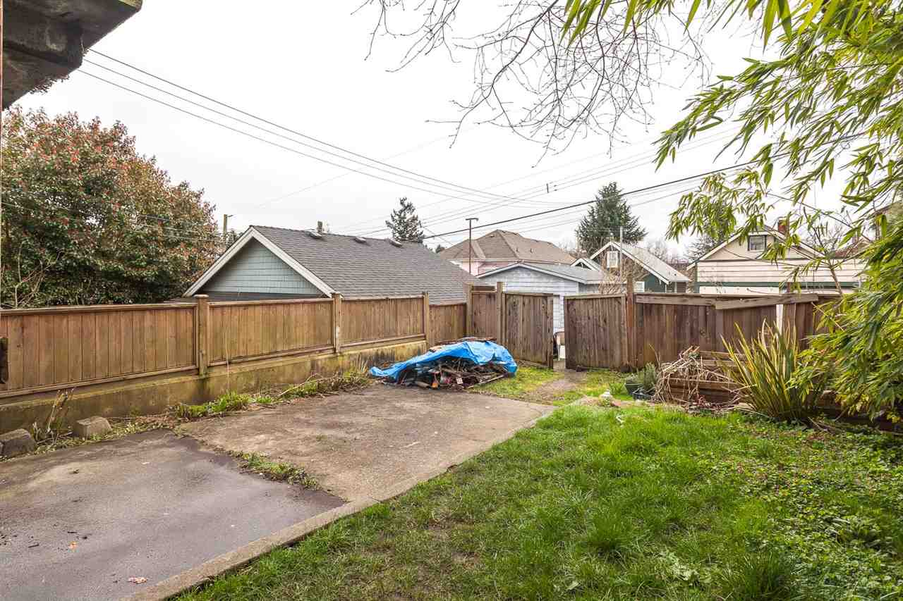 "Photo 19: 1828 E 2ND Avenue in Vancouver: Grandview VE House for sale in ""COMMERCIAL DRIVE"" (Vancouver East)  : MLS(r) # R2042602"