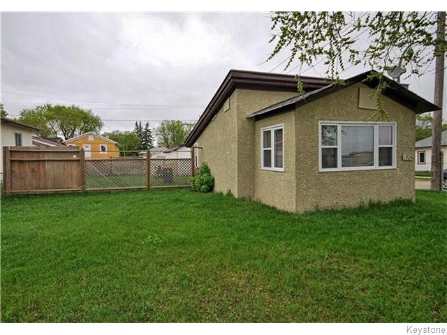 Main Photo: 1925 Notre Dame Avenue in Winnipeg: Brooklands / Weston Residential for sale (West Winnipeg)  : MLS®# 1612283