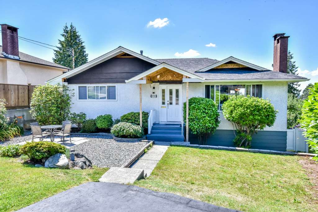 Main Photo: 9759 PRINCESS Drive in Surrey: Royal Heights House for sale (North Surrey)  : MLS(r) # R2092868