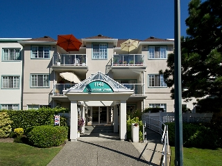 "Main Photo: 306 1140 55 Street in Delta: Tsawwassen Central Condo for sale in ""TSAWWASSEN GREEN"" (Tsawwassen)  : MLS® # R2110308"