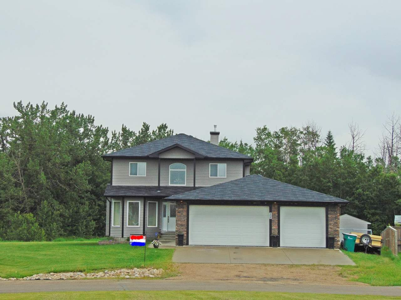 Photo 30: 22 Landing Trails Drive: Gibbons House for sale : MLS(r) # E4051279
