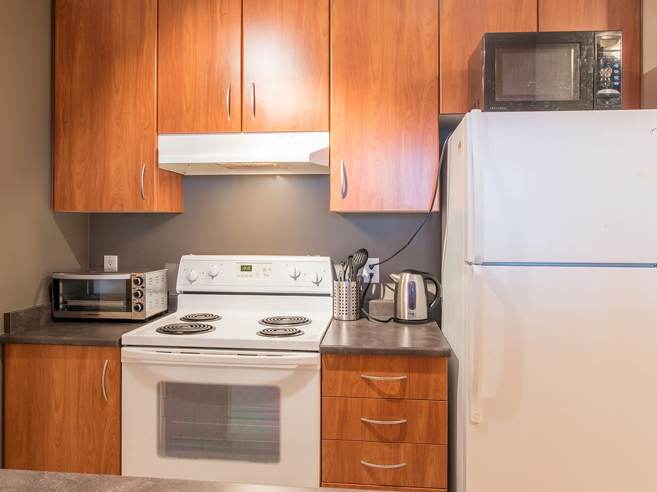 "Photo 11: 2410 3663 CROWLEY Drive in Vancouver: Collingwood VE Condo for sale in ""LATITUTDE"" (Vancouver East)  : MLS(r) # R2140003"