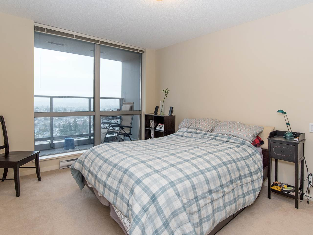 "Photo 14: 2410 3663 CROWLEY Drive in Vancouver: Collingwood VE Condo for sale in ""LATITUTDE"" (Vancouver East)  : MLS(r) # R2140003"