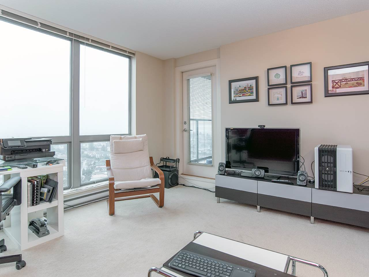 "Photo 3: 2410 3663 CROWLEY Drive in Vancouver: Collingwood VE Condo for sale in ""LATITUTDE"" (Vancouver East)  : MLS(r) # R2140003"