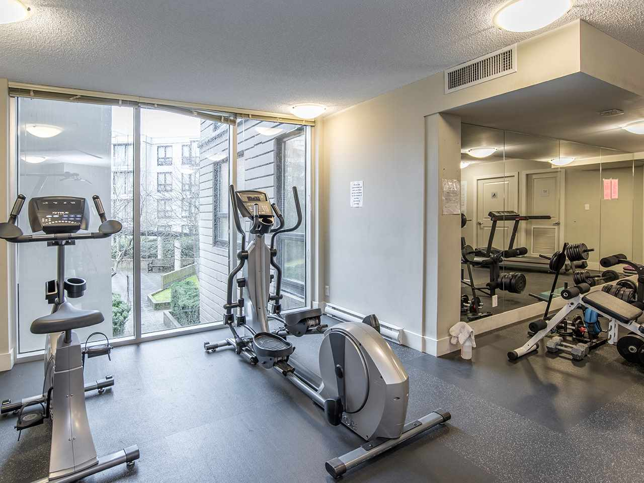 "Photo 17: 2410 3663 CROWLEY Drive in Vancouver: Collingwood VE Condo for sale in ""LATITUTDE"" (Vancouver East)  : MLS(r) # R2140003"