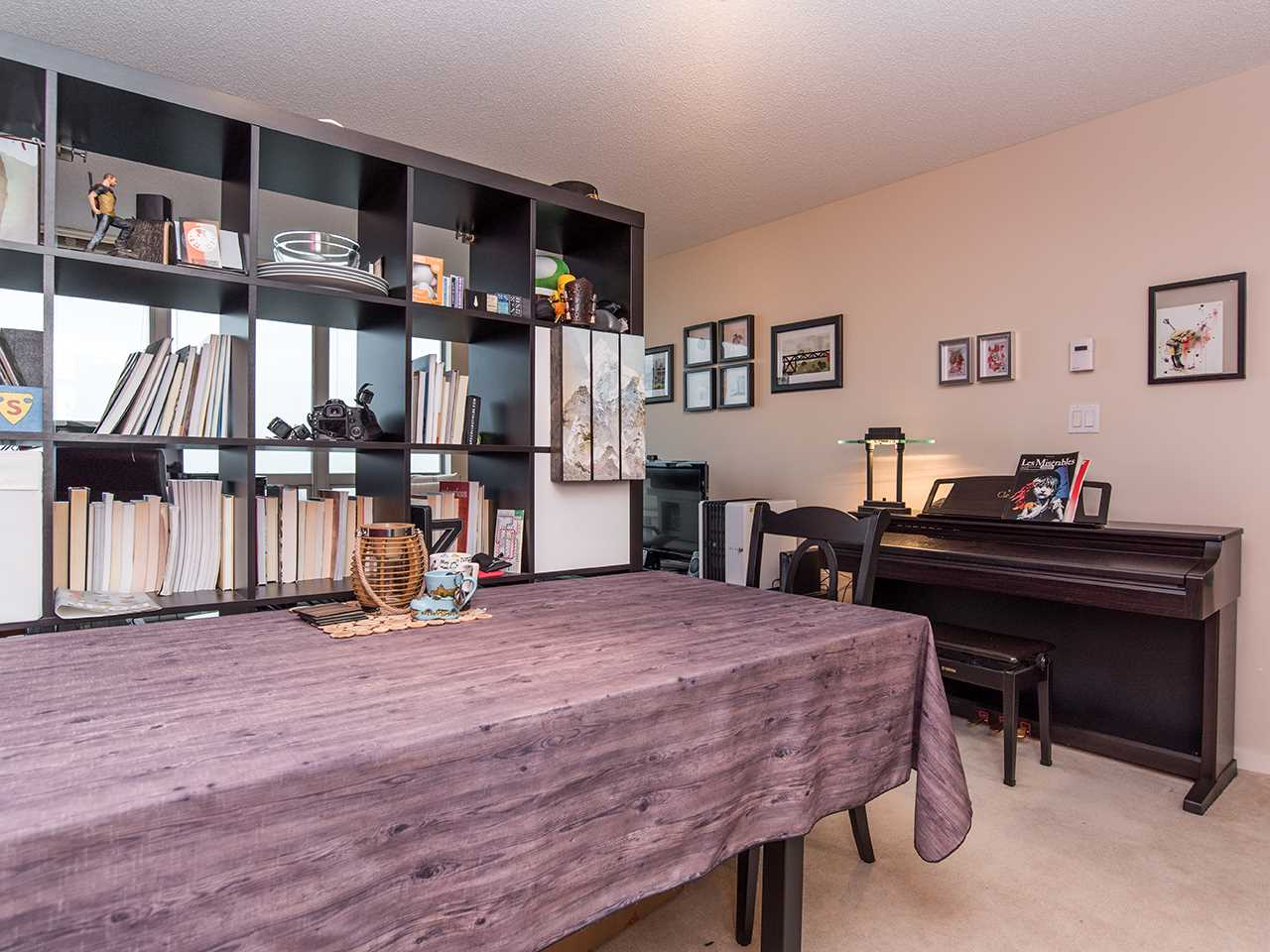 "Photo 7: 2410 3663 CROWLEY Drive in Vancouver: Collingwood VE Condo for sale in ""LATITUTDE"" (Vancouver East)  : MLS(r) # R2140003"