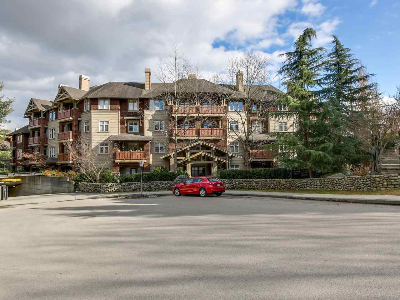 "Main Photo: 301 18 SMOKEY SMITH Place in New Westminster: GlenBrooke North Condo for sale in ""THE CROFTON"" : MLS® # R2141458"
