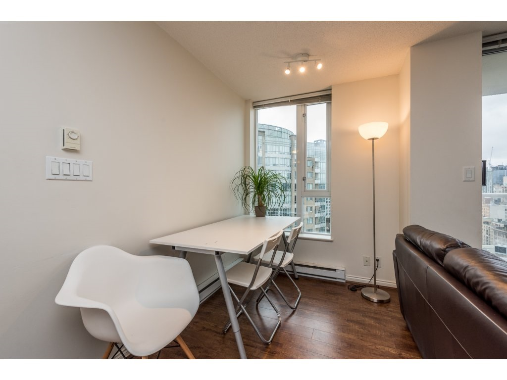 "Photo 4: 2402 550 TAYLOR Street in Vancouver: Downtown VW Condo for sale in ""THE TAYLOR"" (Vancouver West)  : MLS(r) # R2142981"