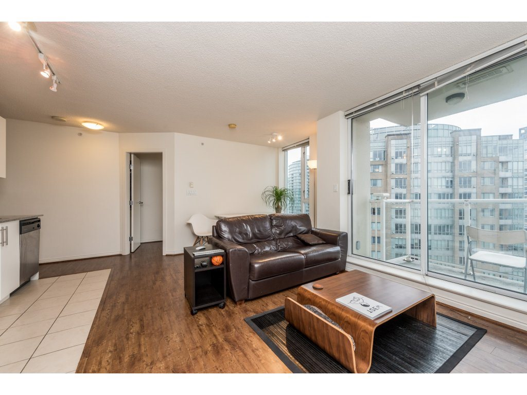 "Photo 6: 2402 550 TAYLOR Street in Vancouver: Downtown VW Condo for sale in ""THE TAYLOR"" (Vancouver West)  : MLS(r) # R2142981"