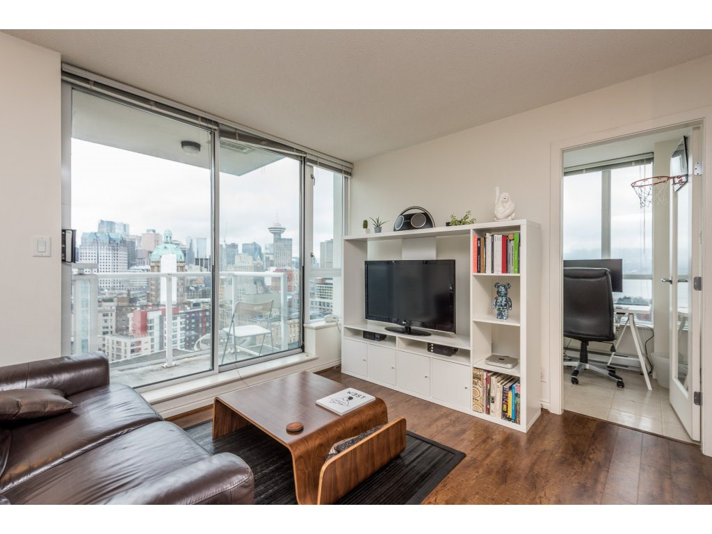 "Photo 5: 2402 550 TAYLOR Street in Vancouver: Downtown VW Condo for sale in ""THE TAYLOR"" (Vancouver West)  : MLS(r) # R2142981"