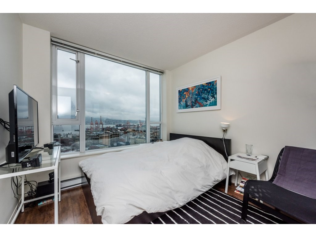 "Photo 11: 2402 550 TAYLOR Street in Vancouver: Downtown VW Condo for sale in ""THE TAYLOR"" (Vancouver West)  : MLS(r) # R2142981"