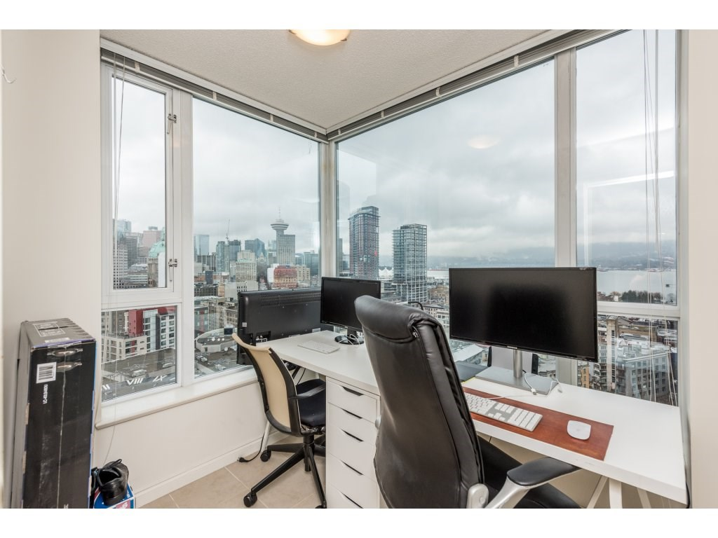 "Photo 10: 2402 550 TAYLOR Street in Vancouver: Downtown VW Condo for sale in ""THE TAYLOR"" (Vancouver West)  : MLS(r) # R2142981"
