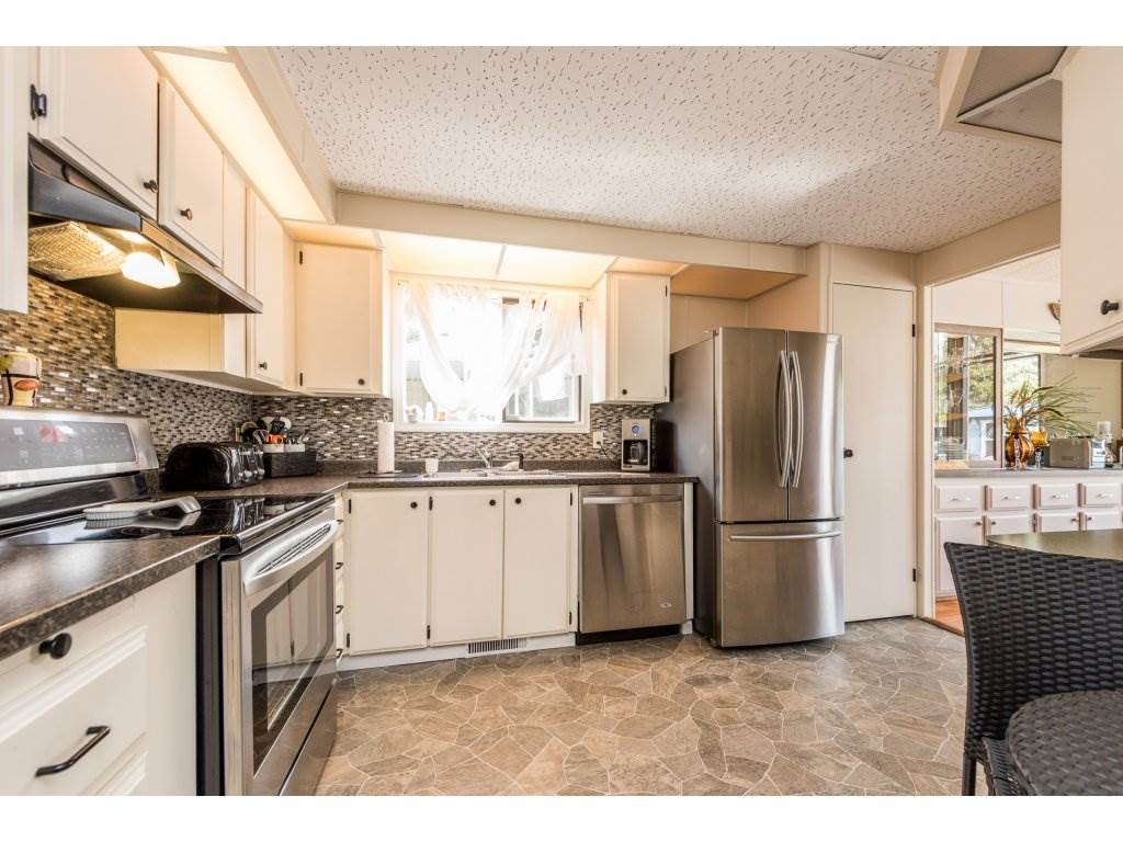 Photo 12: 335 1840 160TH STREET in Surrey: King George Corridor Manufactured Home for sale (South Surrey White Rock)  : MLS(r) # R2167828