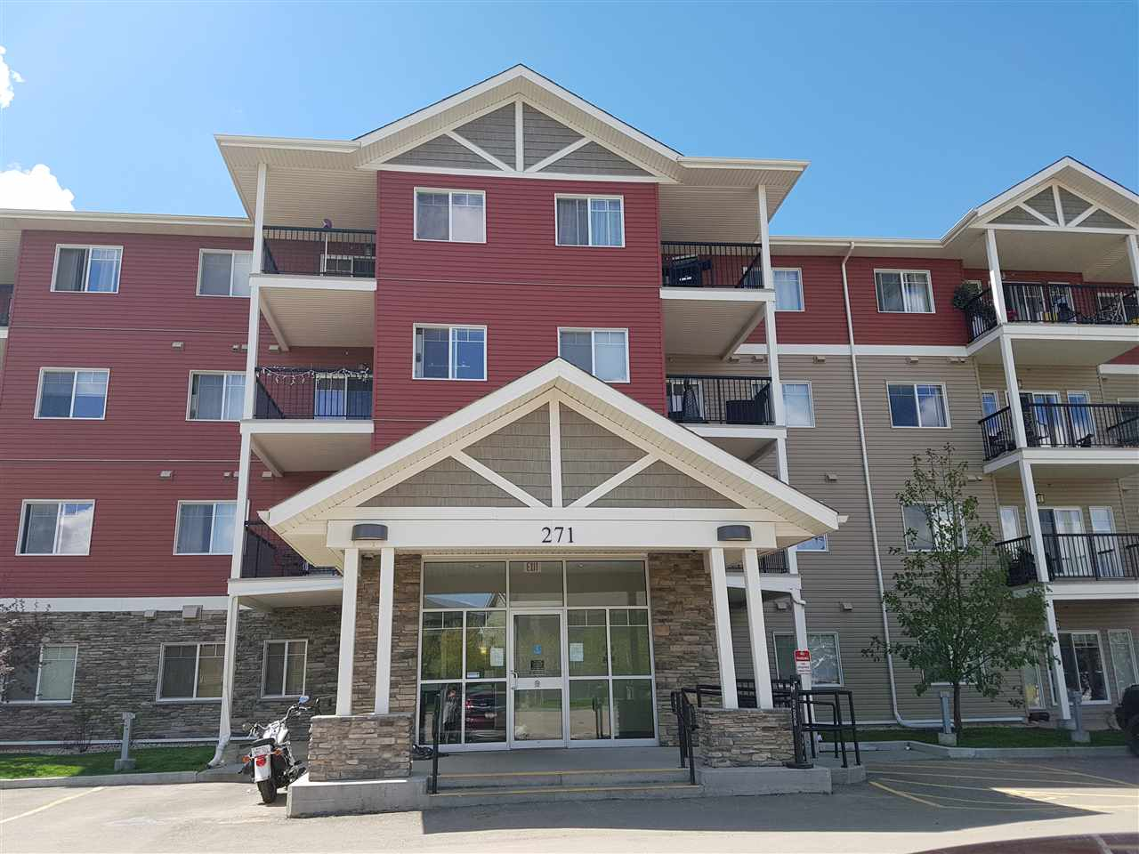 Main Photo: 413 271 CHARLOTTE Way: Sherwood Park Condo for sale : MLS(r) # E4065239
