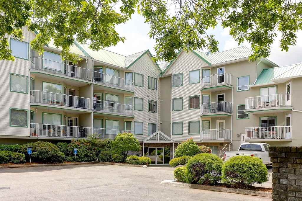 Main Photo: 214 19236 FORD Road in Pitt Meadows: Central Meadows Condo for sale : MLS® # R2182703